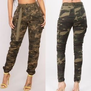 Pants - Plus size camo pants